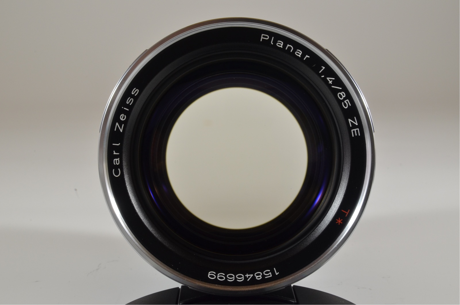 carl zeiss planar t* 85mm f/1.4 ze for canon