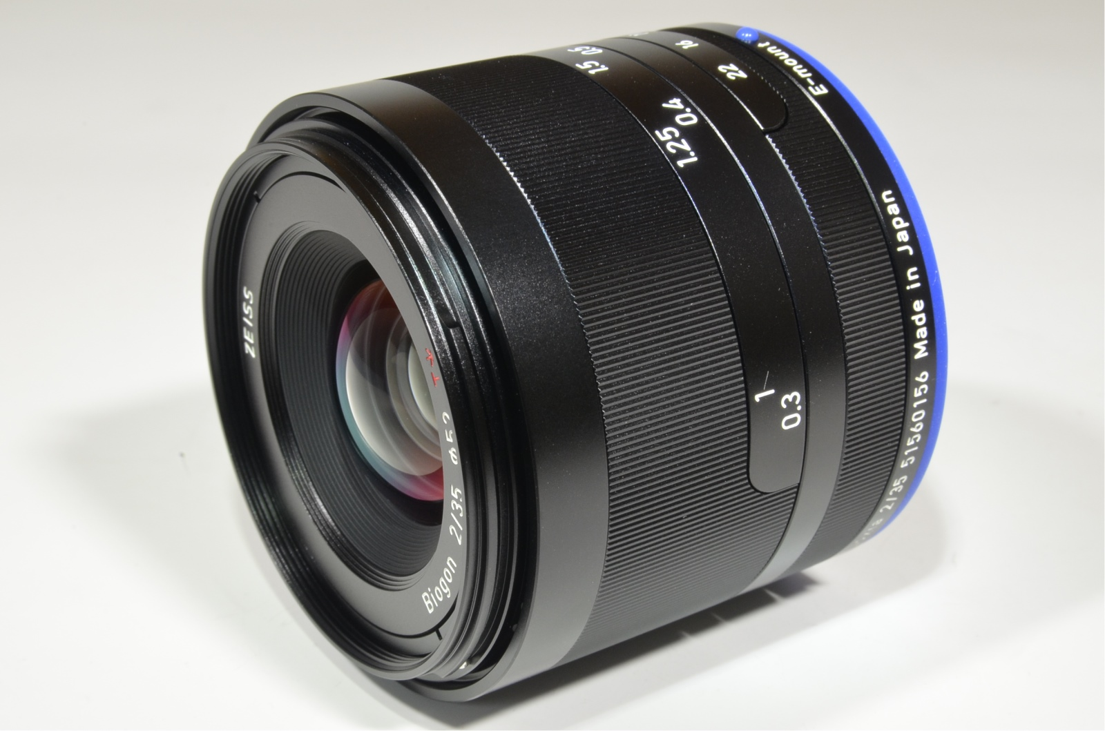 carl zeiss loxia 35mm f/2 biogon t* lens for sony e mount