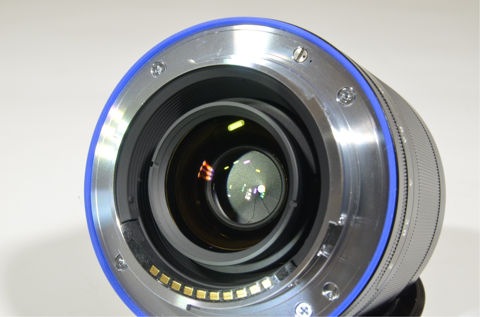 carl zeiss loxia 35mm f/2 biogon t* lens for sony e mount