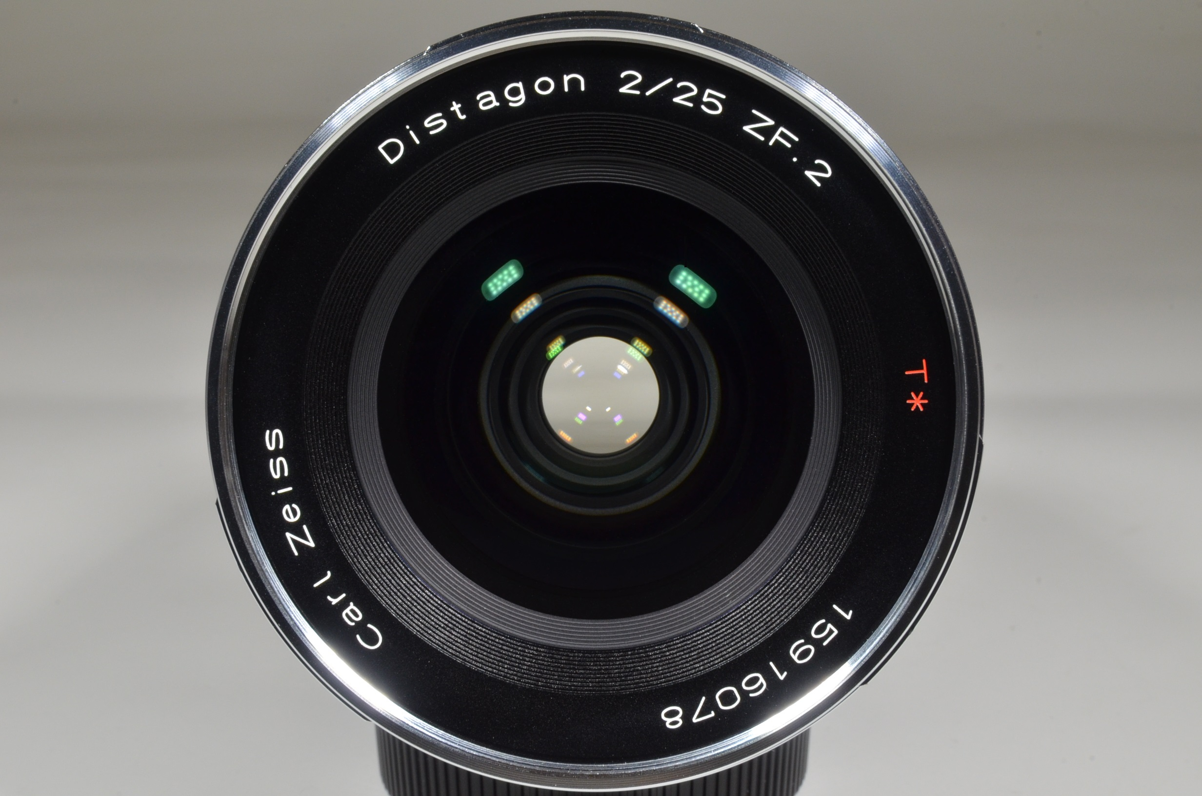 carl zeiss distagon t* 25mm f2 zf.2 for nikon