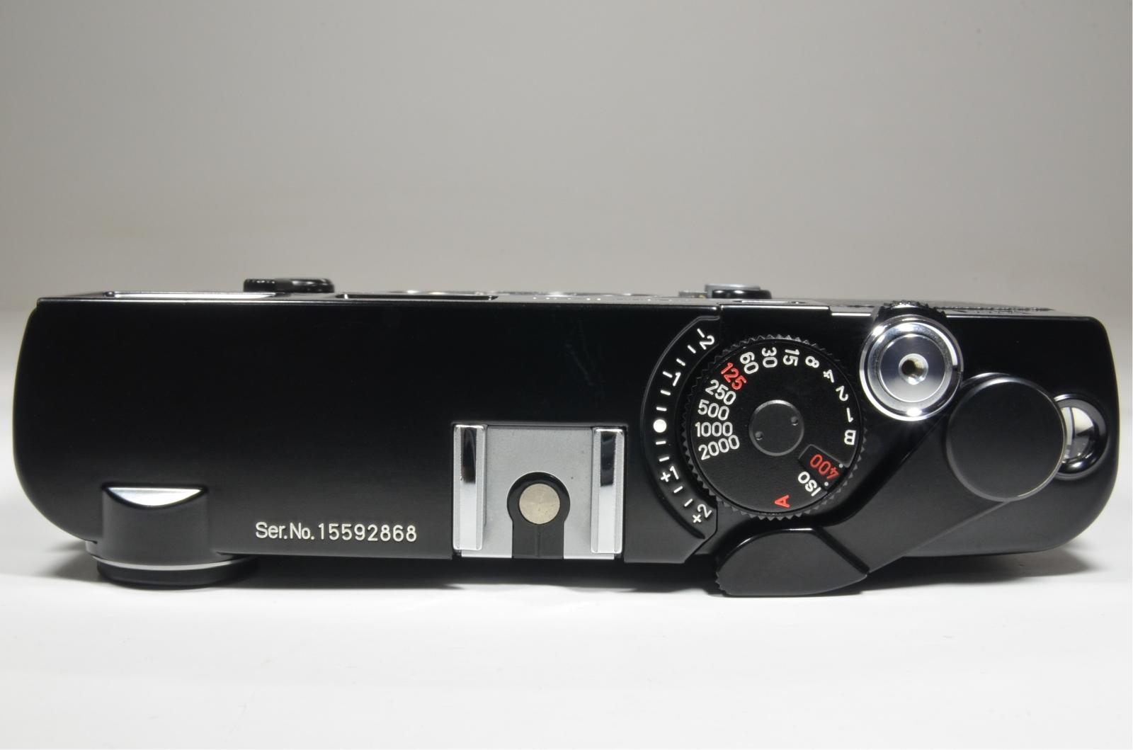 zeiss ikon zm 35mm rangefinder film camera in black with strap
