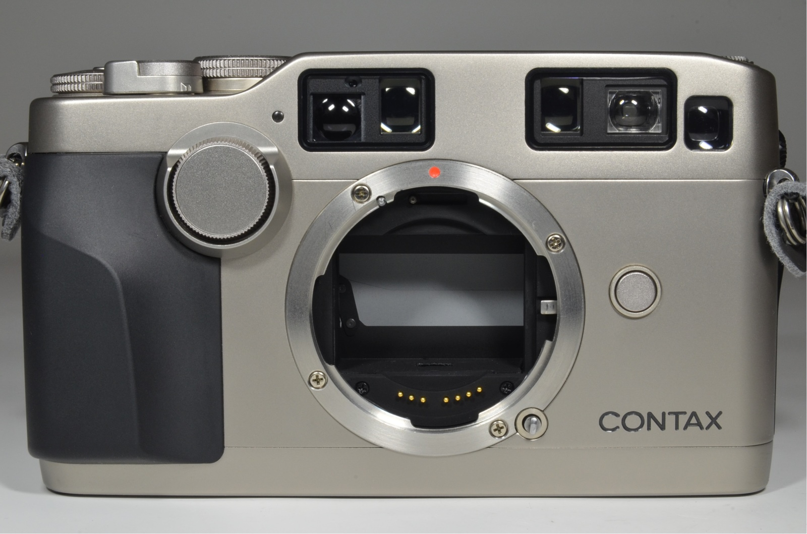 contax g2 film camera with planar 45mm f2 / biogon 28 f2.8 / sonnar 90mm f2.8