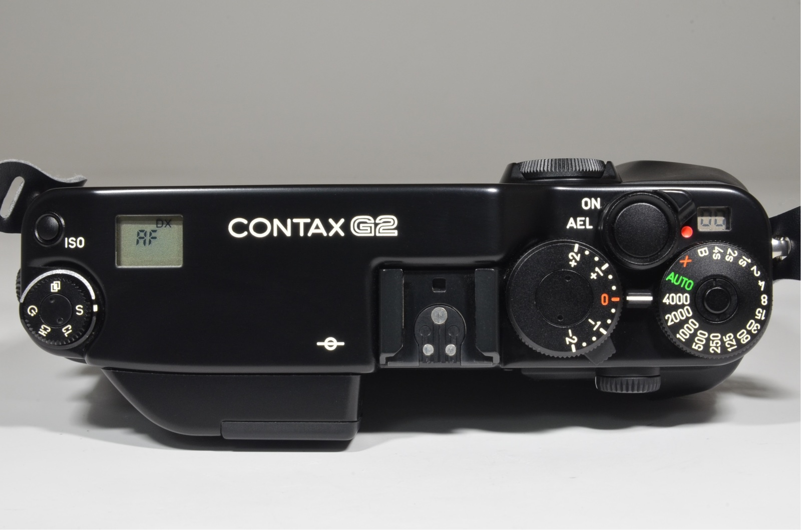 contax g2 35mm film camera black in boxed