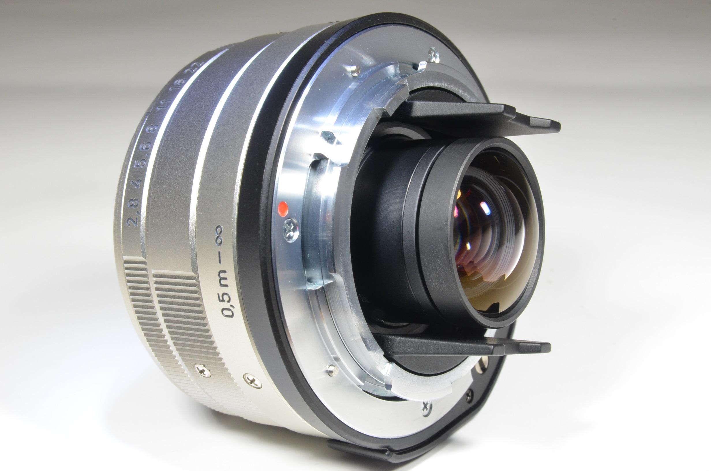 contax g2 camera / planar 45mm f2 / biogon 28 f2.8 / sonnar 90mm f2.8 / tla200