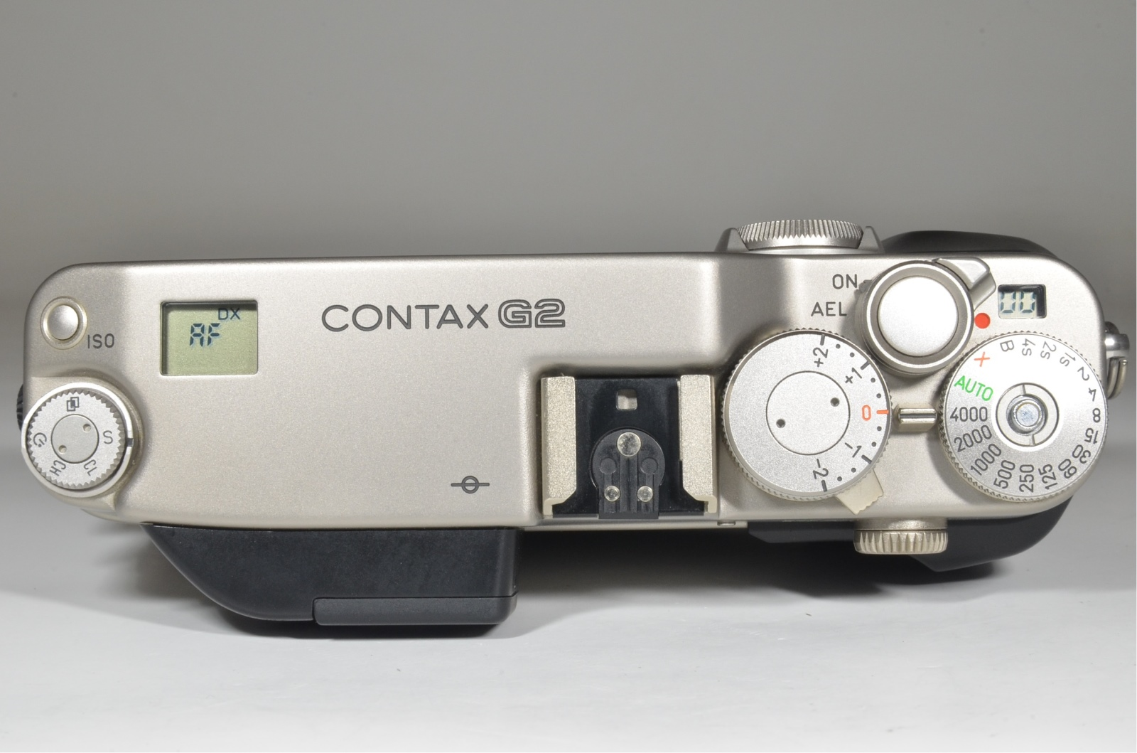 contax g2 camera / planar 45mm f2 / biogon 28mm f2.8 / sonnar 90mm f2.8 / tla200