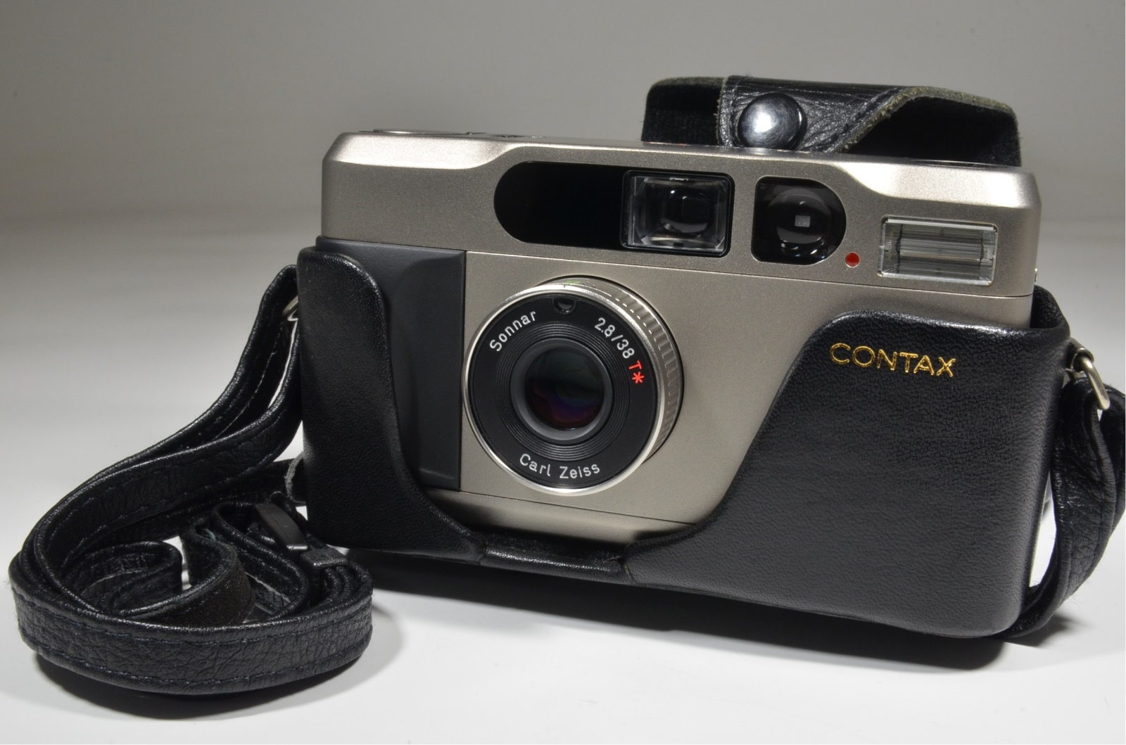 contax t2 point & shoot 35mm film camera with full leather case