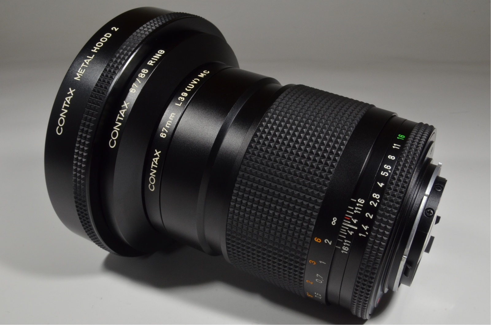 contax carl zeiss distagon t* 35mm f1.4 mmj with metal hood