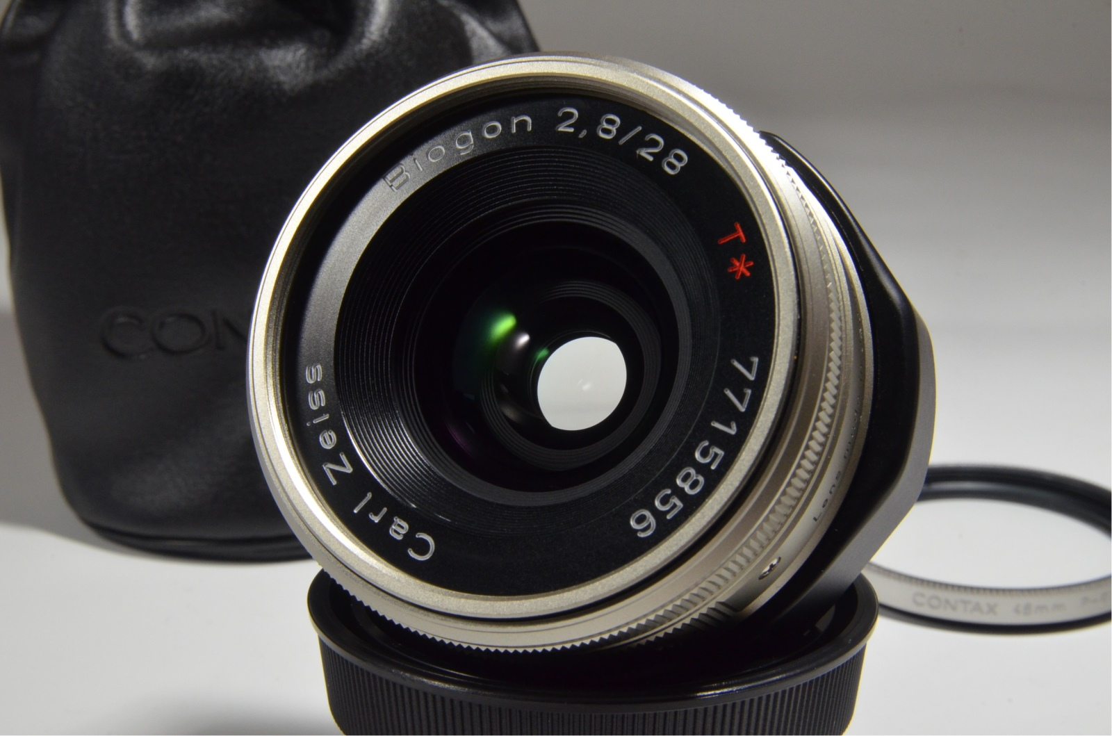 contax g2 with full case, planar 45mm f2, biogon 28mm f2.8, sonnar 90mm f2.8, tla200