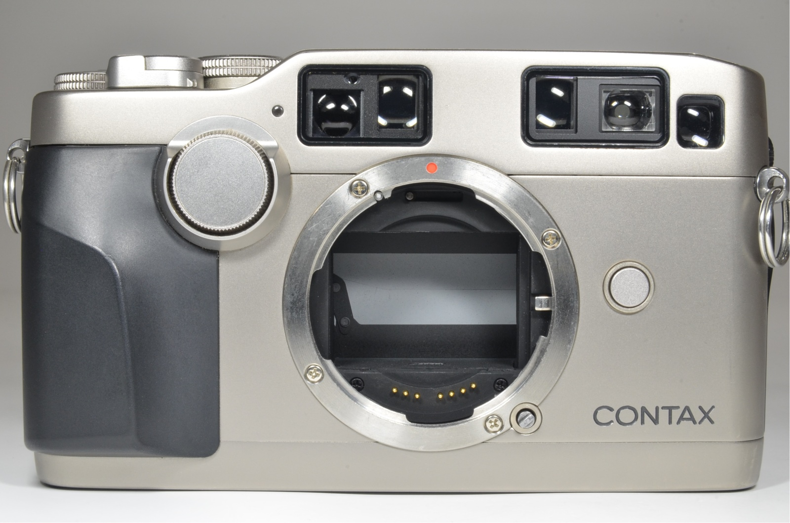 contax g2 with half case, planar 45mm, biogon 28mm, sonnar 90mm and tla200