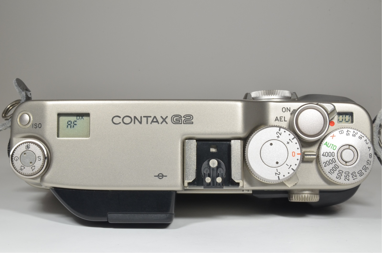 contax g2 with planar 45mm f2, biogon 28mm f2.8, sonnar 90mm f2.8 and tla200