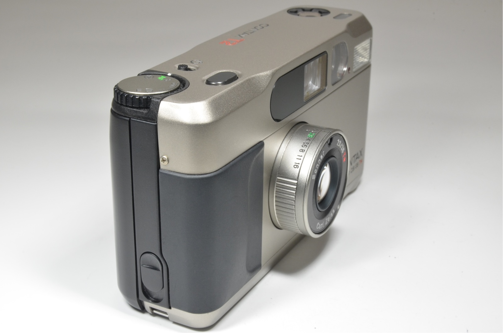 contax t2 data back point & shoot 35mm film camera from japan