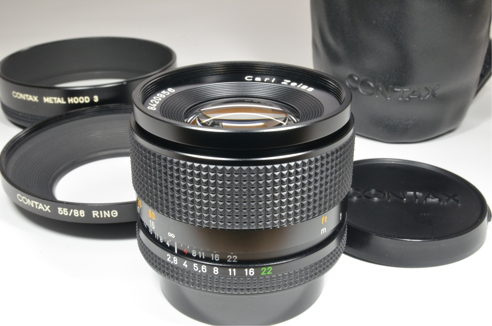 contax carl zeiss sonnar t* 85mm f2.8 mmg with metal hood 3