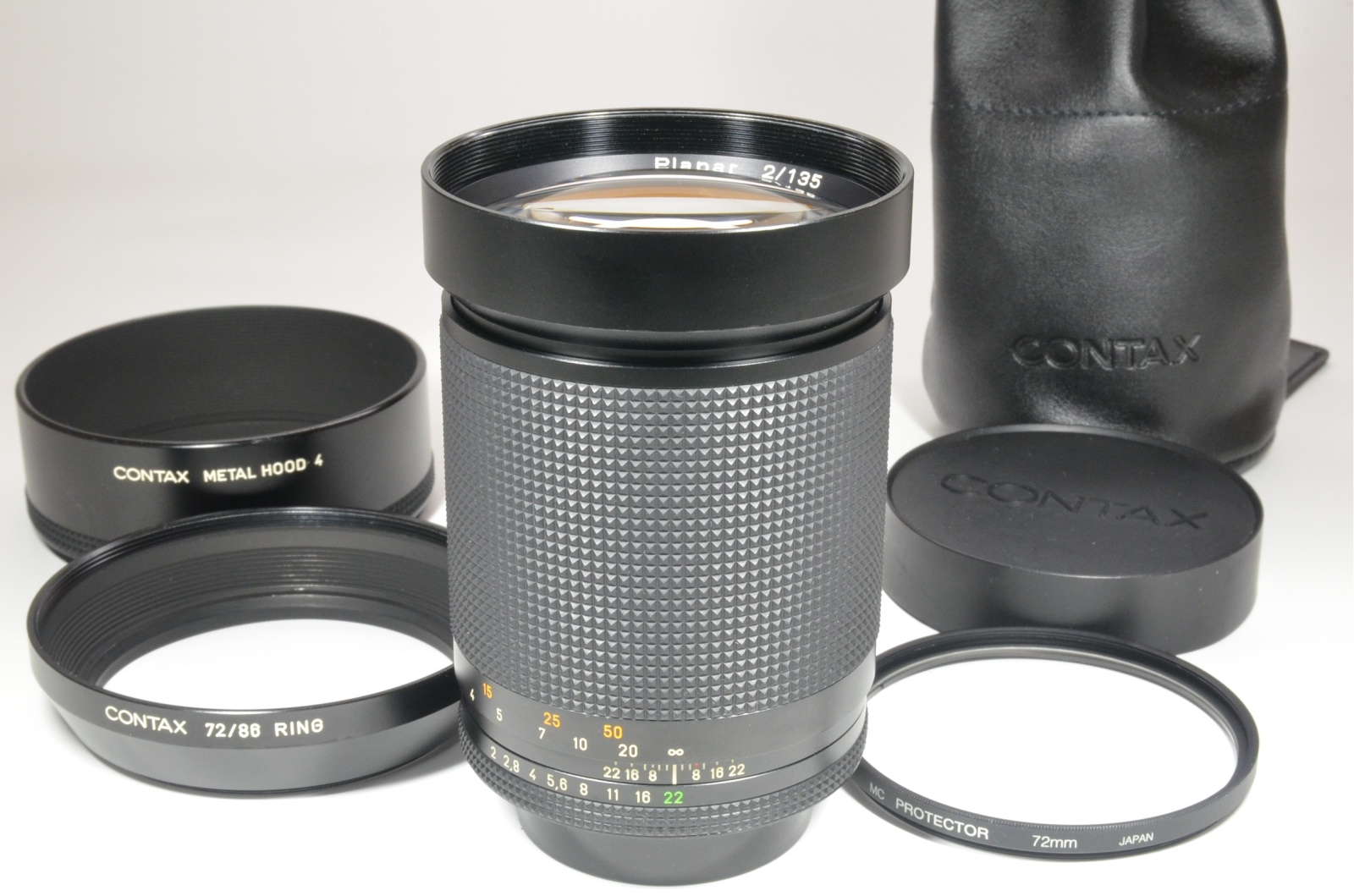 contax carl zeiss planar t* 135mm f2 mmg germany with metal hood 4