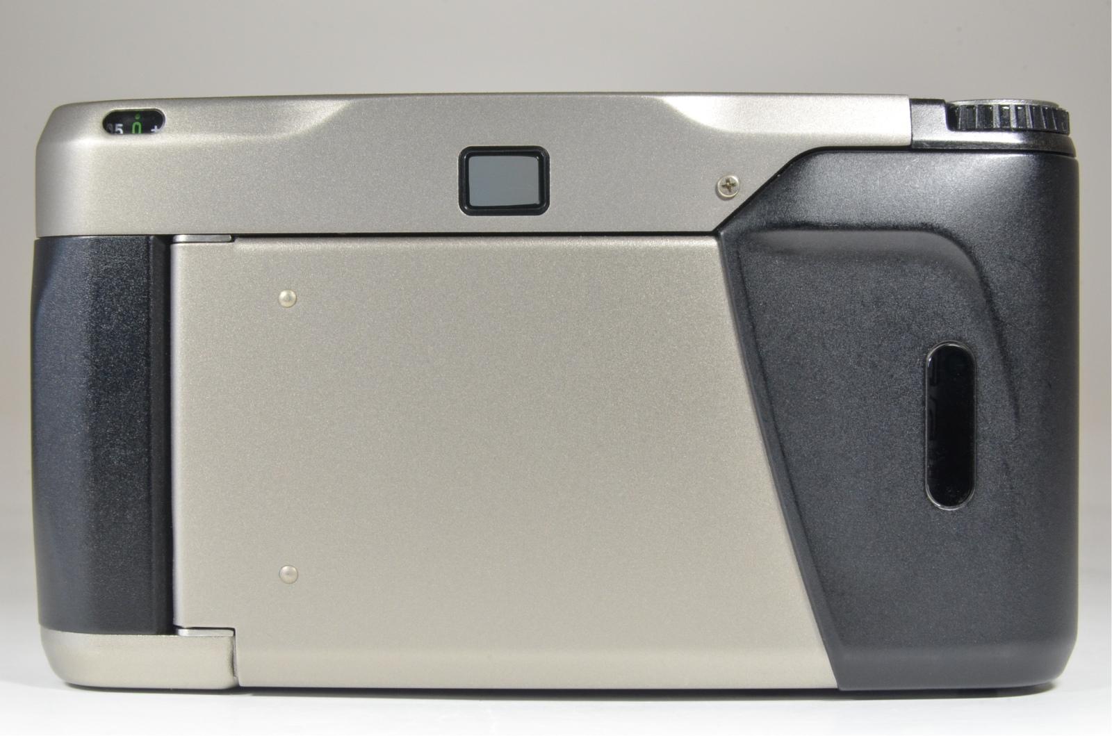 contax t2 titanium silver point & shoot 35mm film camera