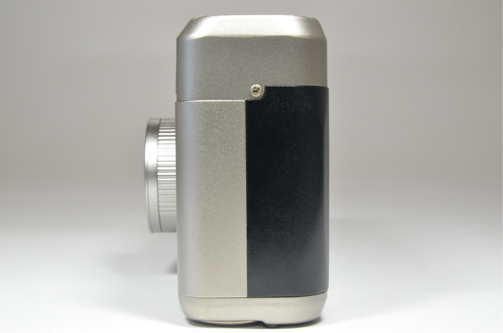 contax t2 titanium silver 35mm film camera with semi hard case