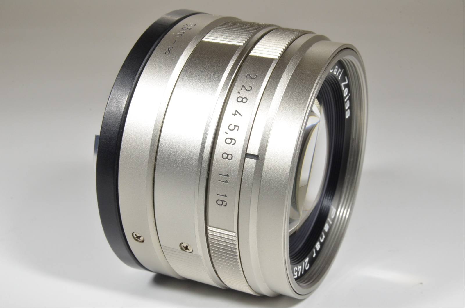 contax carl zeiss t* planar 45mm f2 with lens hood from japan