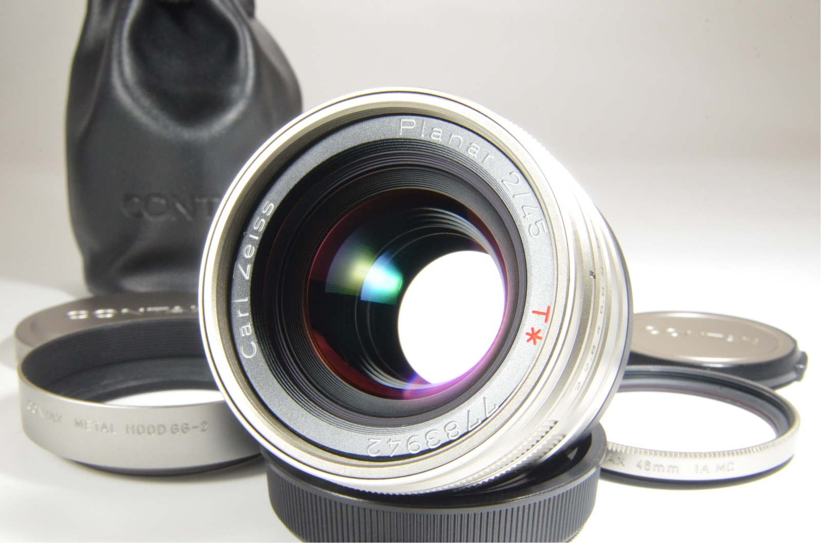 contax g2 camera with planar 45mm, sonnar 90mm, biogon 21mm, viewfinder