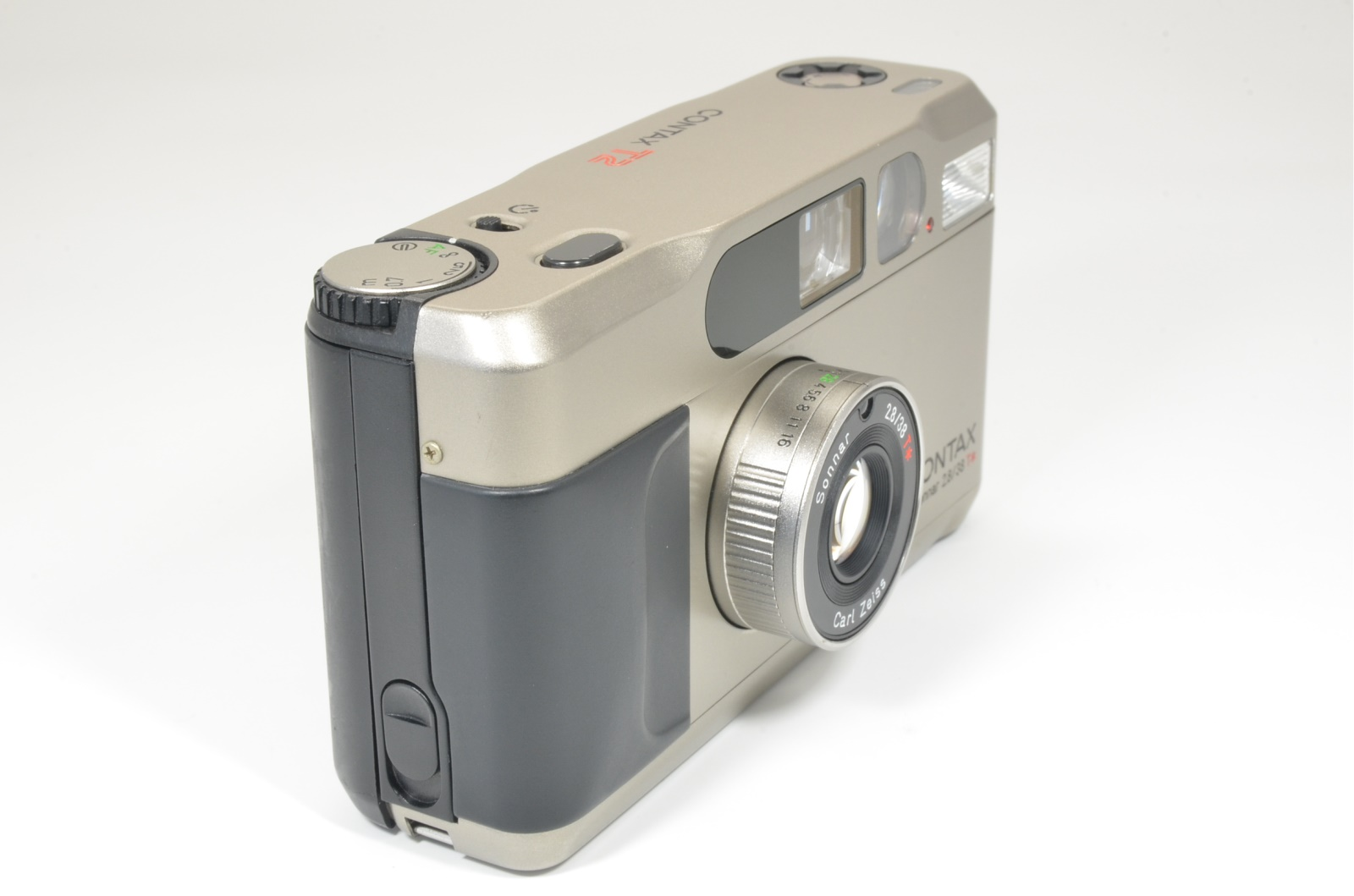 contax t2 titanium silver 35mm film camera cla'd recentry shooting tested