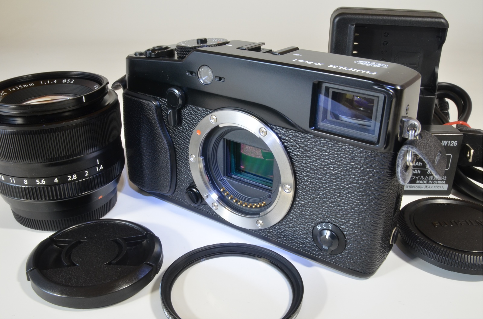 fujifilm x-pro1 xf35mm f1.4 r digital camera