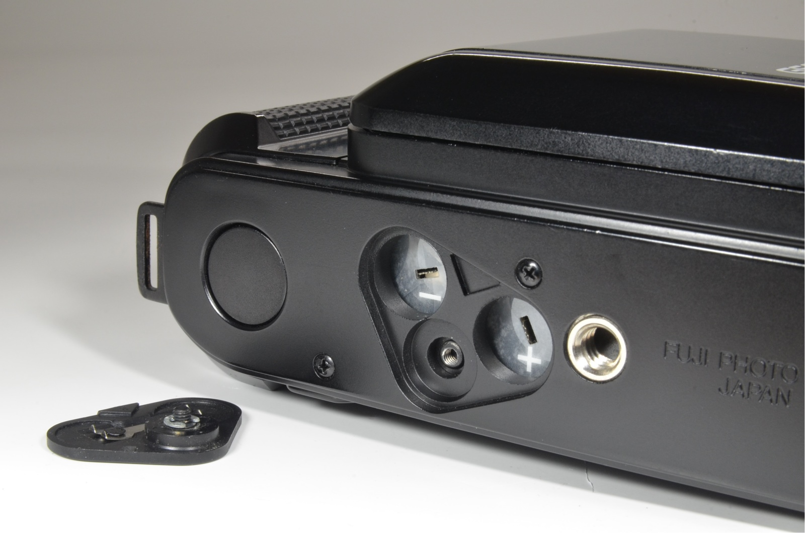 fujifilm fujica gs645 with lens hood and close-up finder set