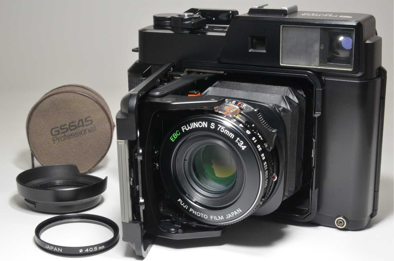 fujifilm fujica gs645 film camera 75mm f3.4 w/ lens filter and hood