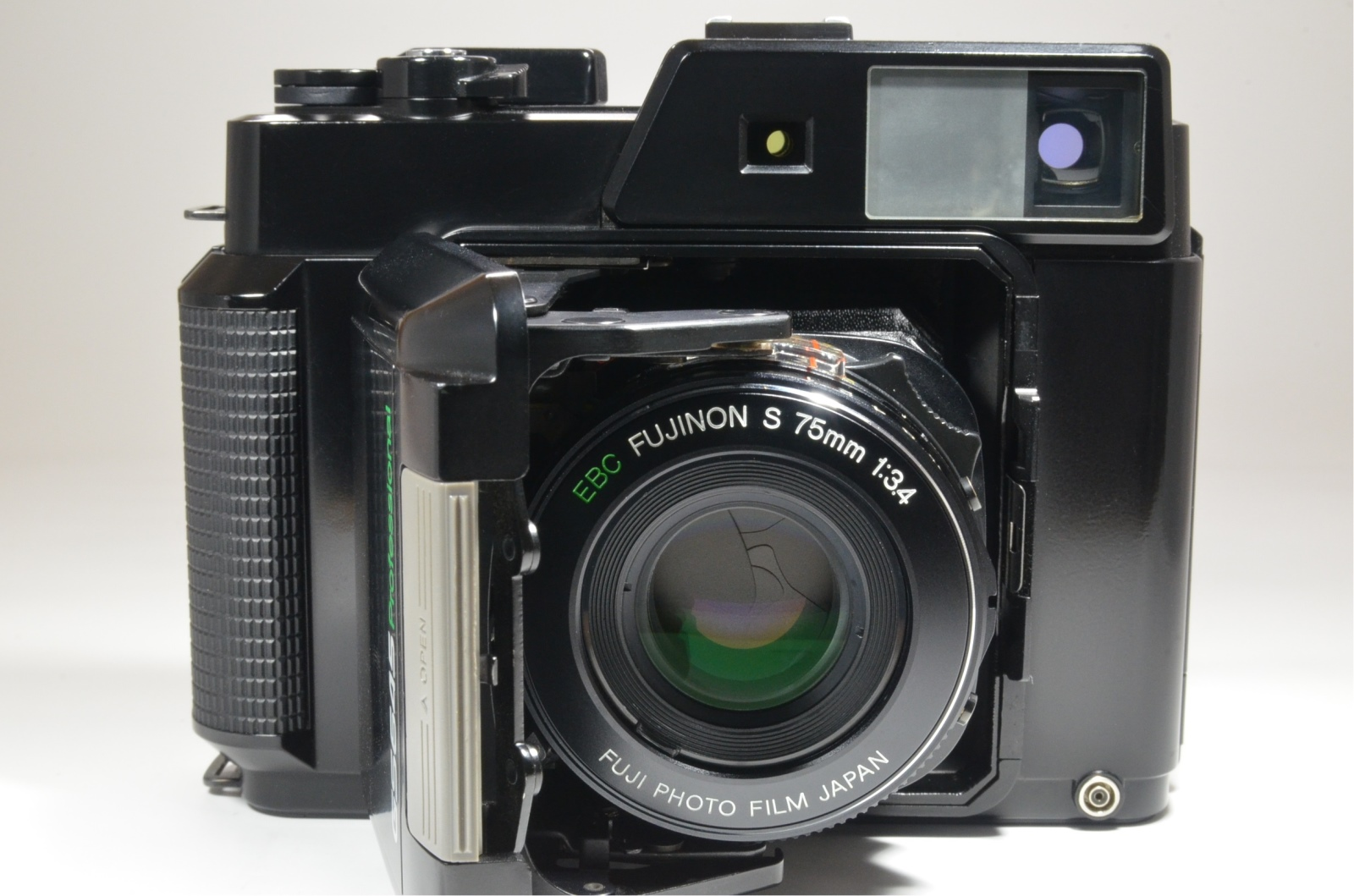 fujifilm fujica gs645 film camera 75mm f3.4 with lens hood from japan