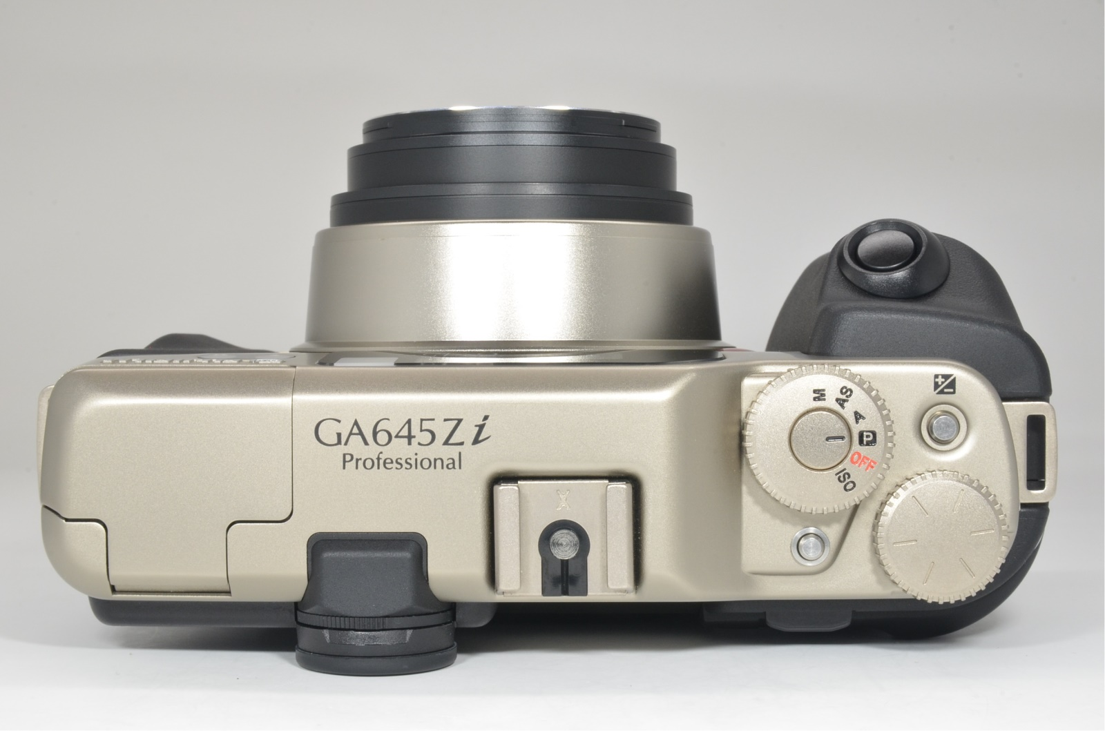 fujifilm ga645zi professional silver medium format film camera shooting tested