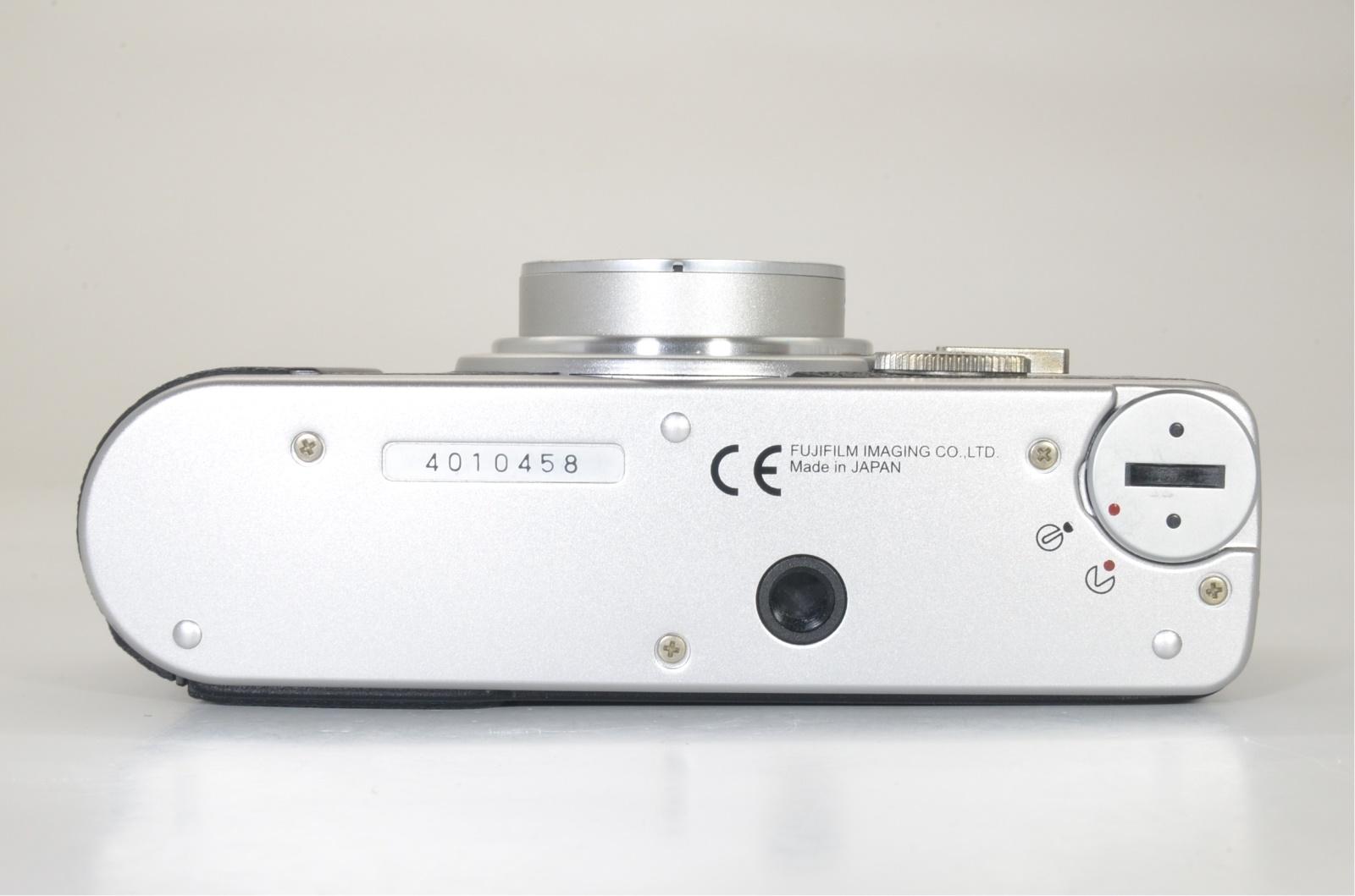 fuji fujifilm klasse w silver 28mm f2.8 film camera from japan shooting tested