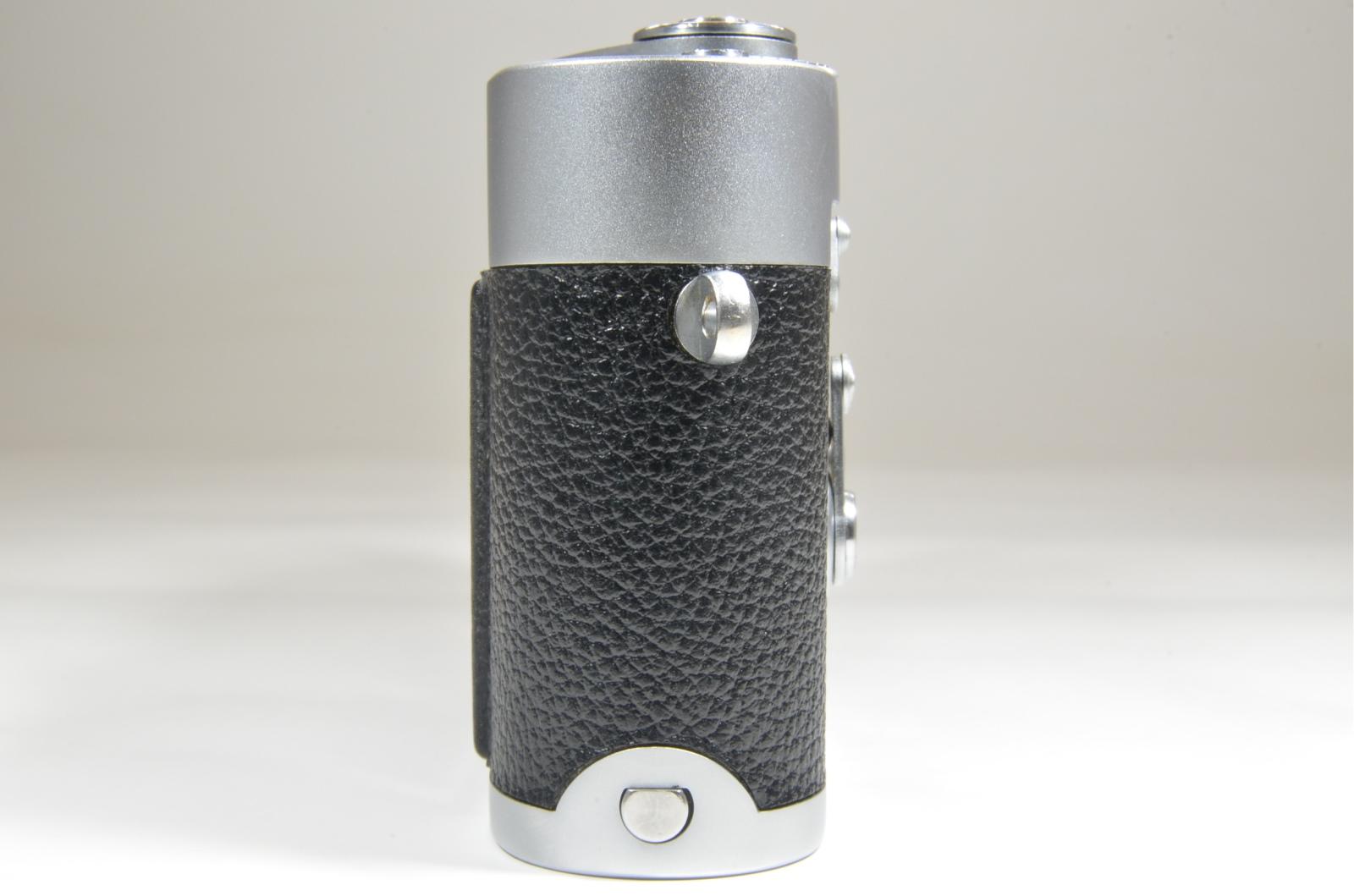 leica m2 self timer rangefinder film camera s/n 1054179 year 1962