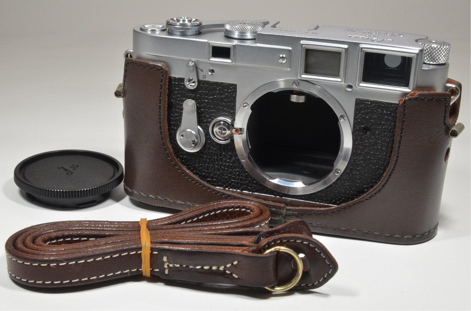 leica m3 double stroke s/n 708826 year 1954 rare with case and strap