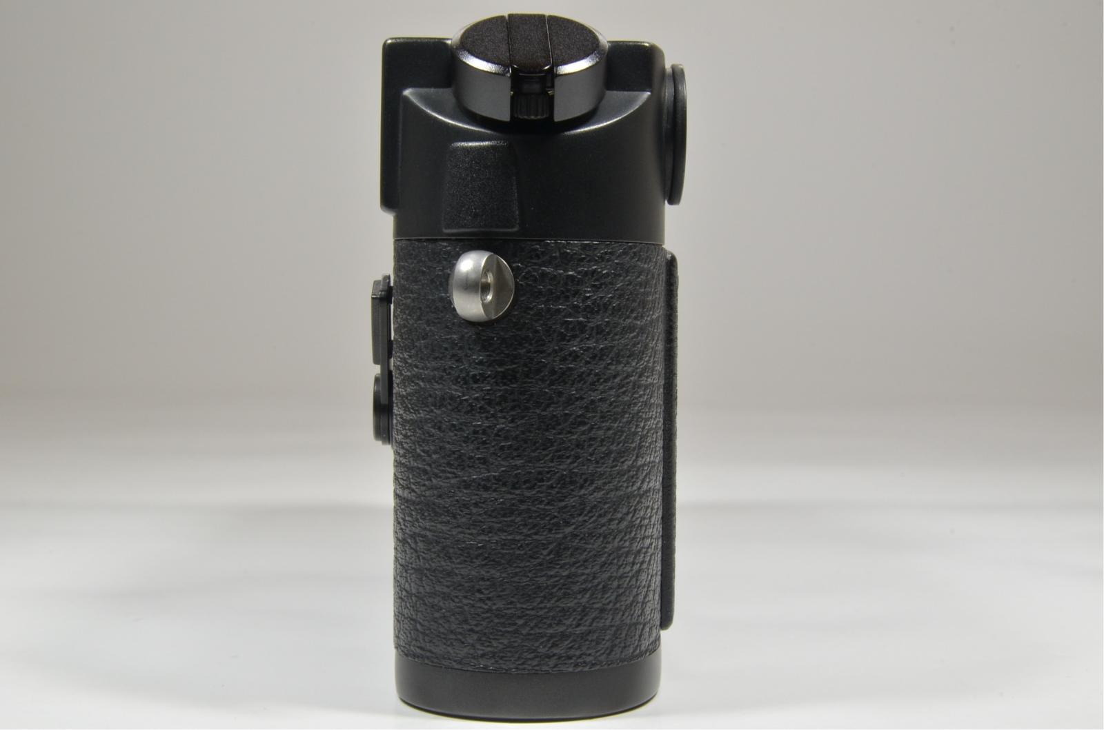 leica m6 0.72 black rangefinder serial no.1688077 year 1986 from japan