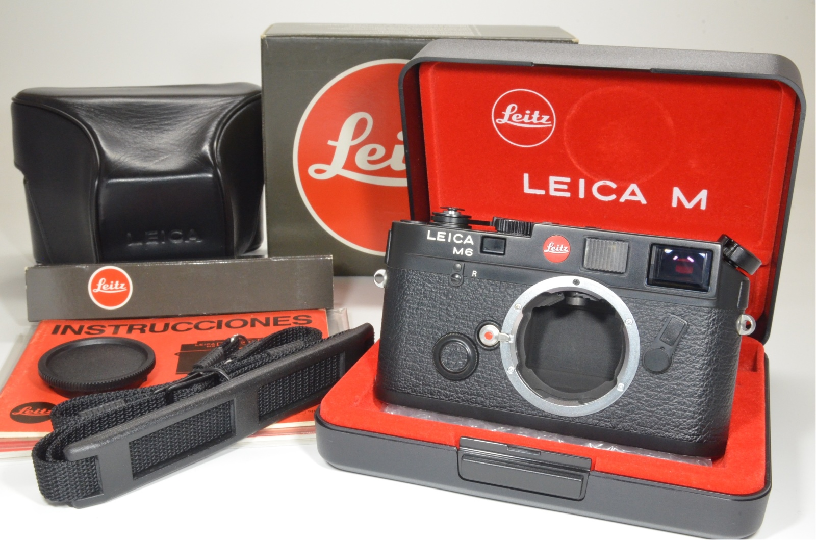 leica m6 0.72 black rangefinder serial no.1689478 year 1986 with case