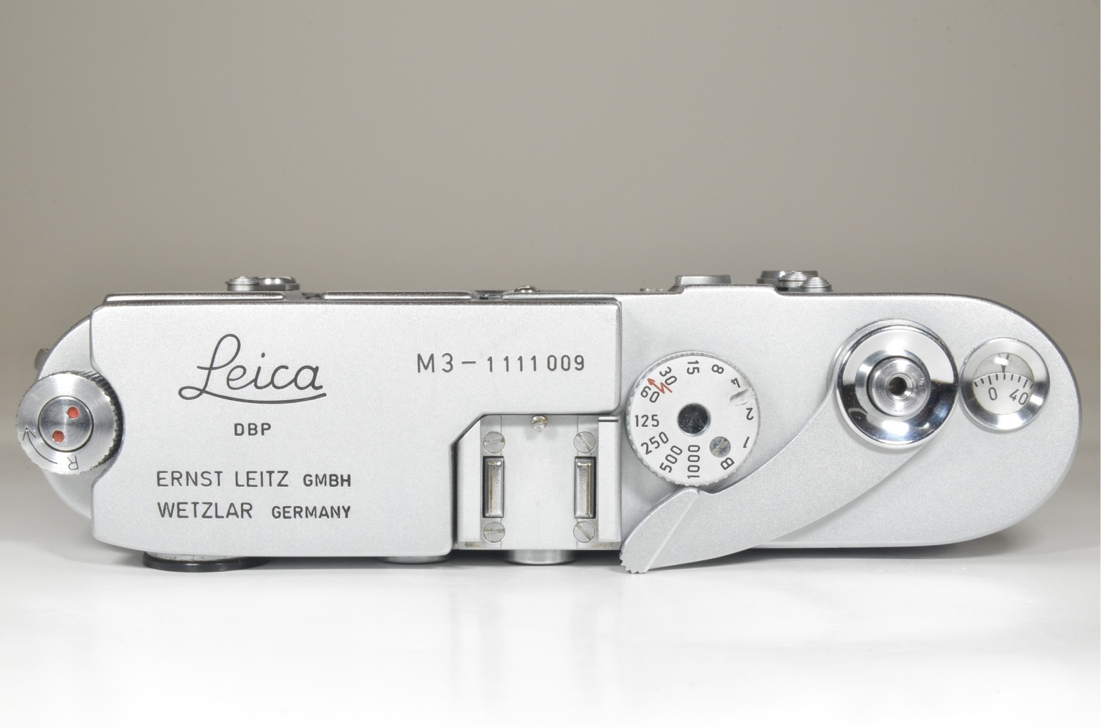 leica m3 single stroke s/n 1111009 year 1965 with strap