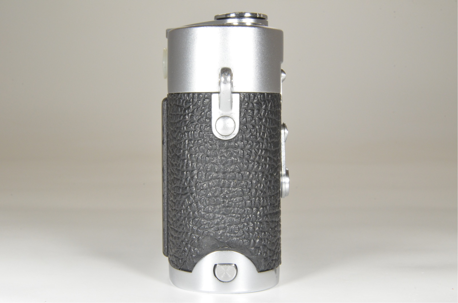 leica m3 double stroke s/n 886839 year 1957 with strap