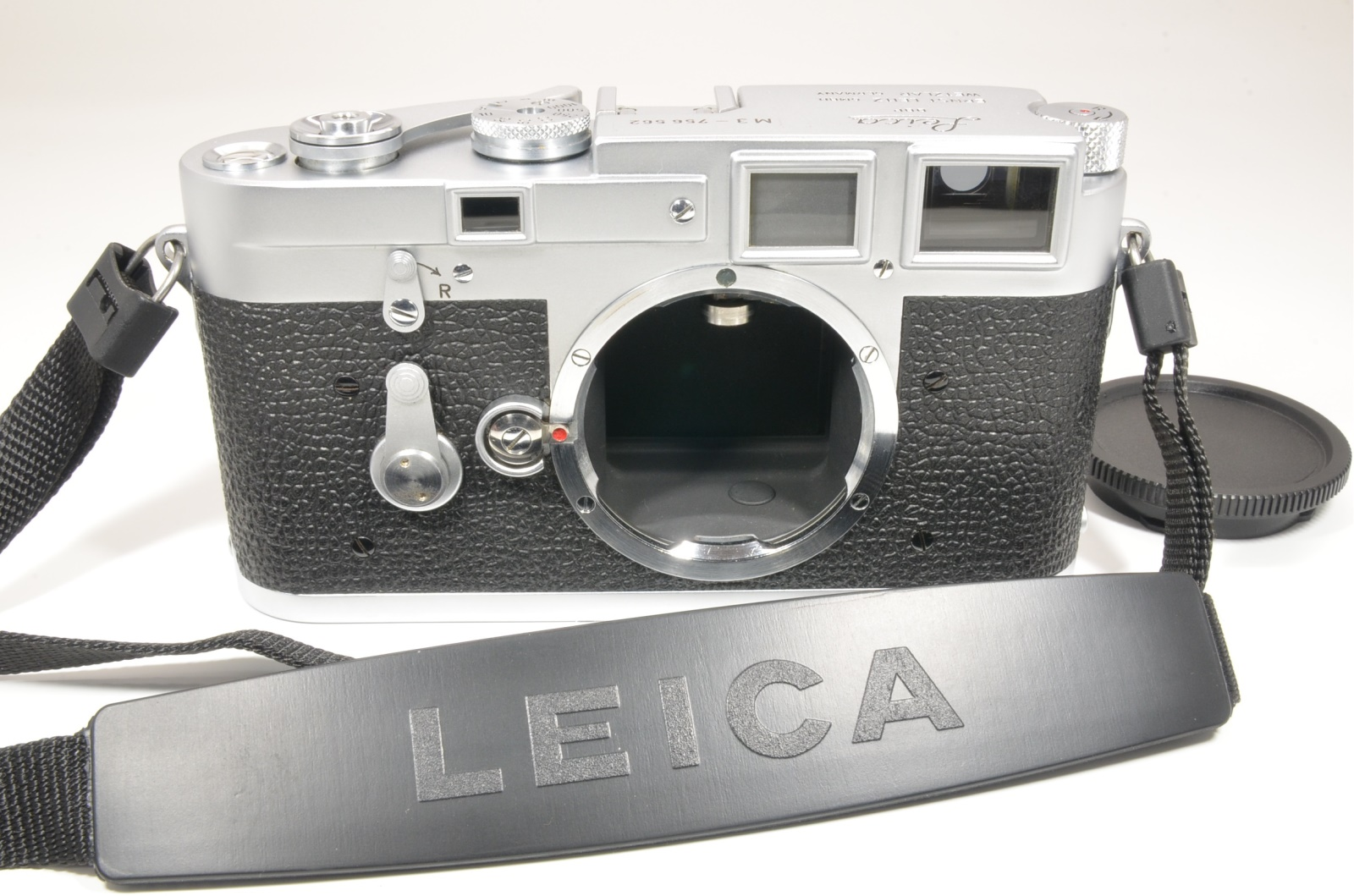 leica m3 double stroke s/n 756562 year 1955 with strap from japan