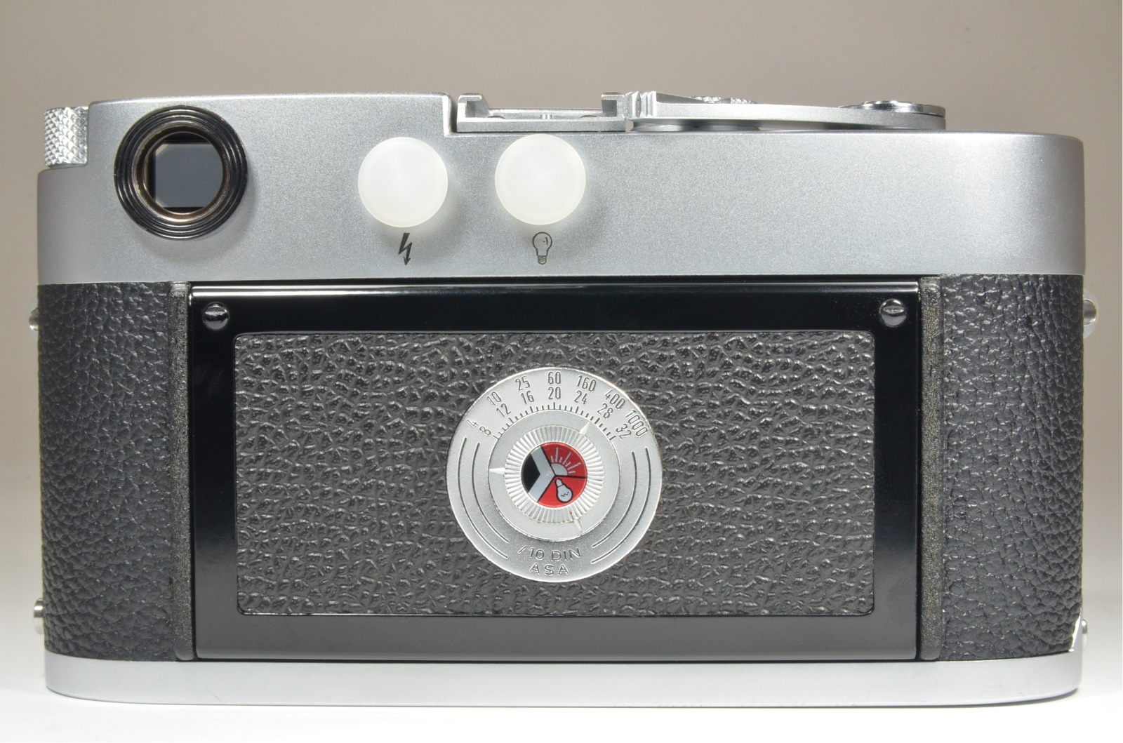 leica m3 single stroke s/n 985759 year 1959 with leather case and strap
