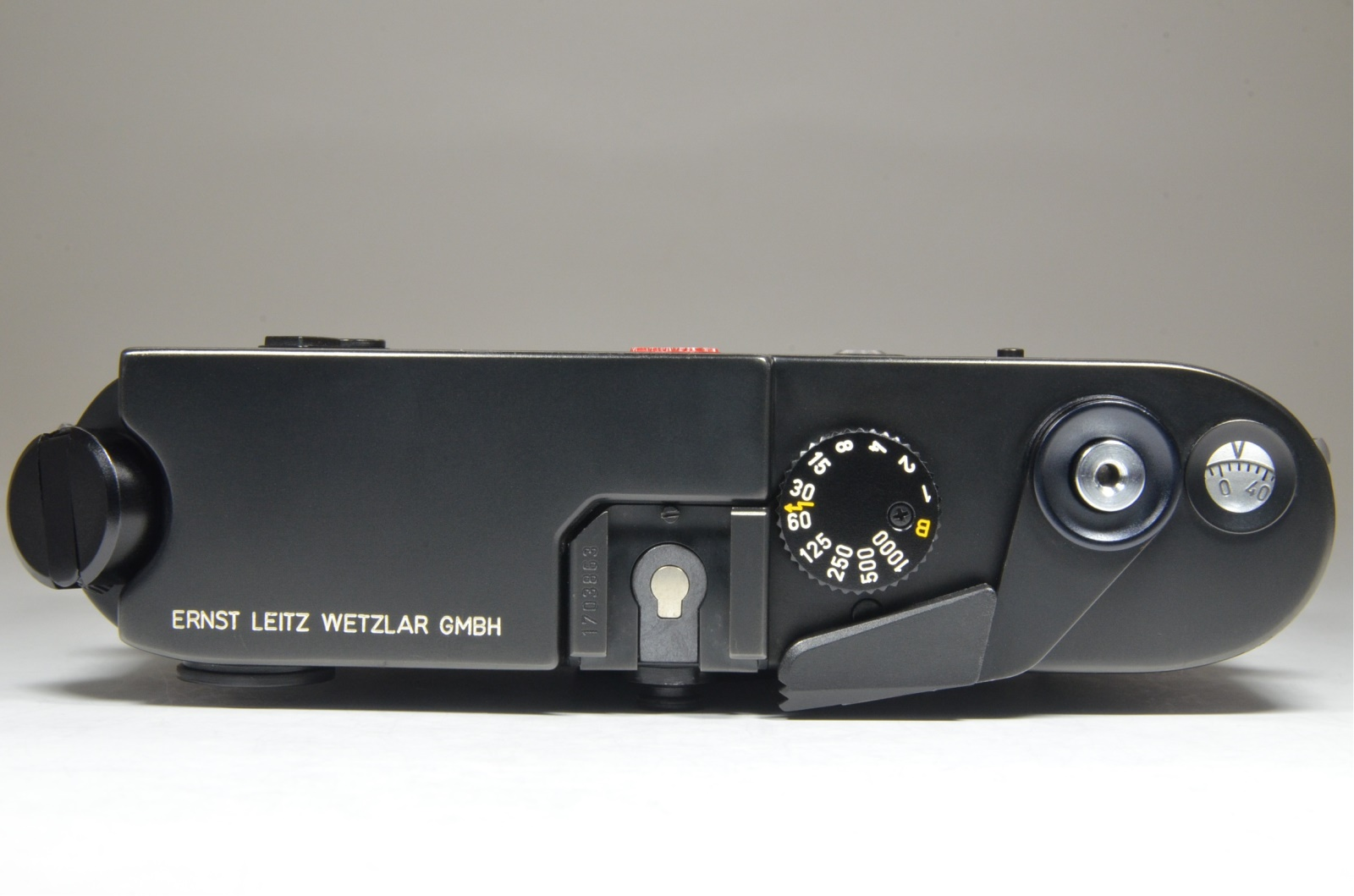 leica m6 0.72 black rangefinder serial no.1703863 year 1986 from japan