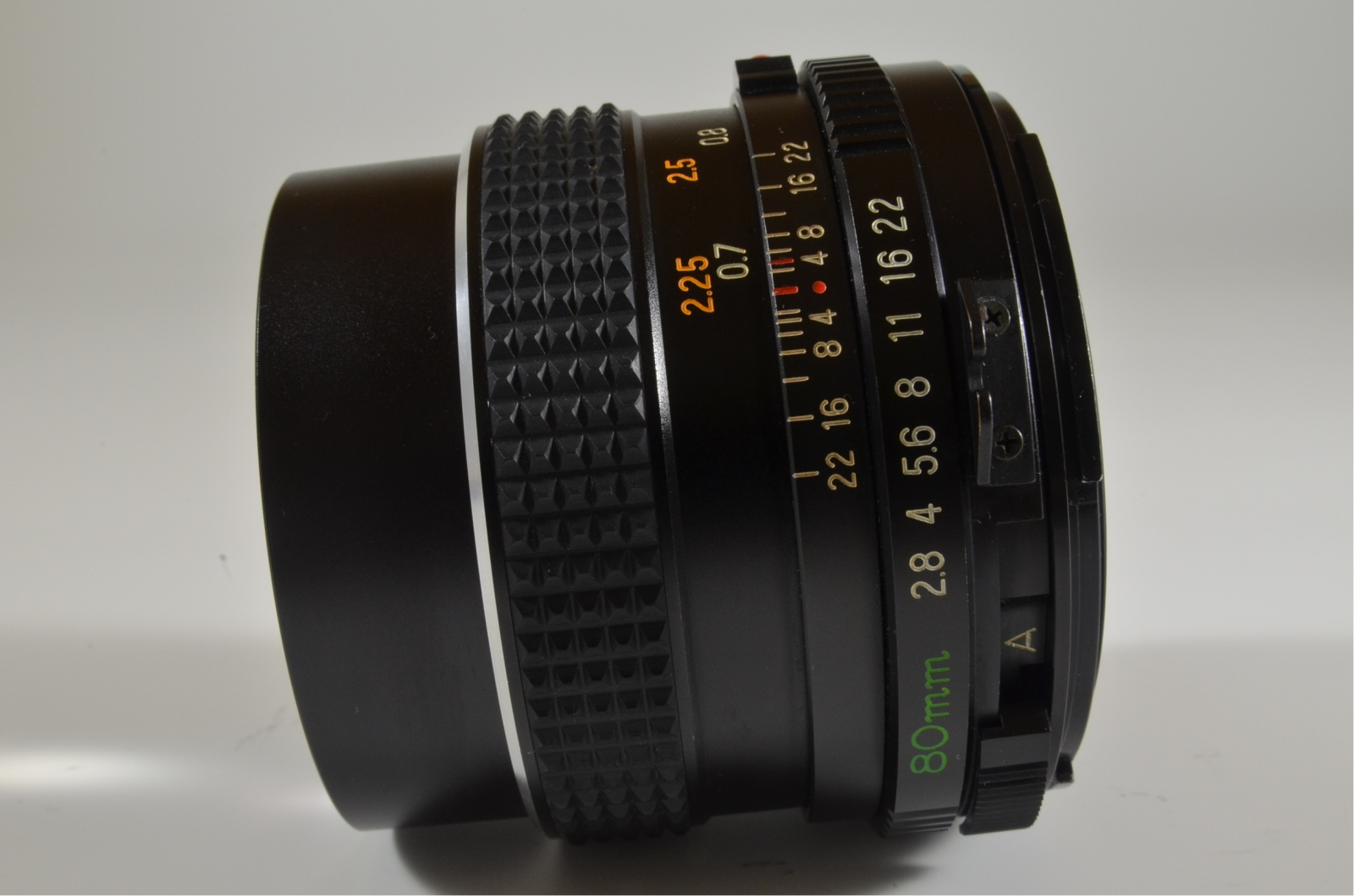 mamiya m645 medium format camera 80mm f2.8 c waist level finder