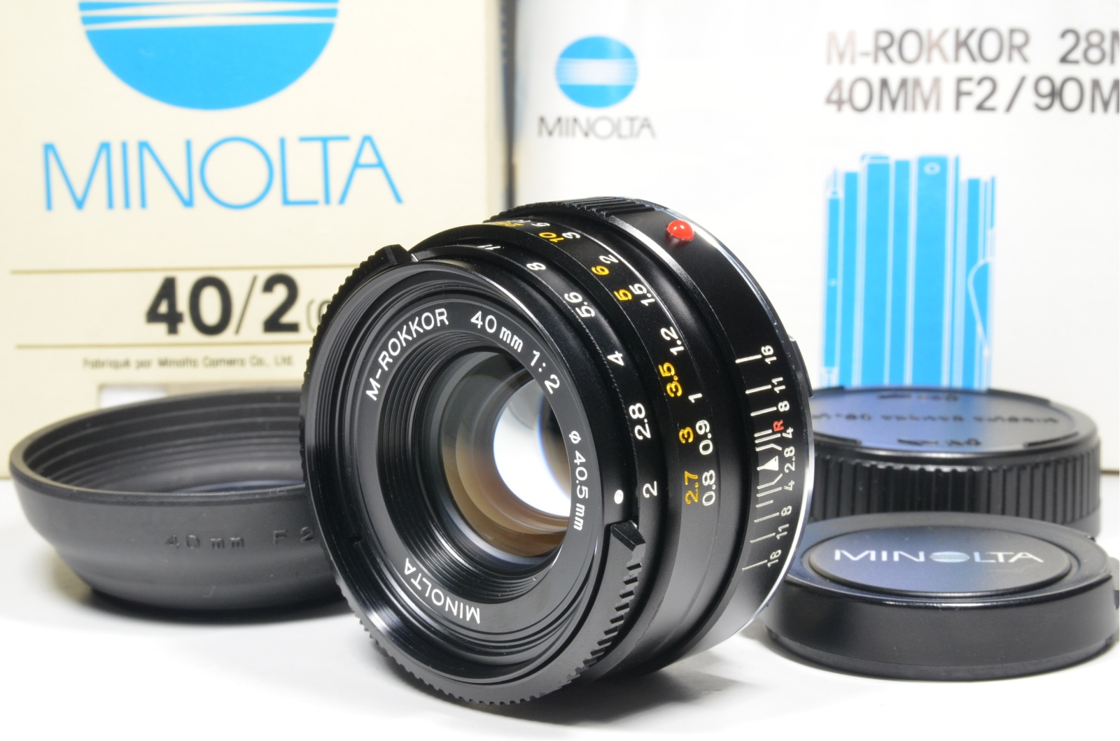 minolta cle film camera with 3 lenses m-rokkor 40mm f2, 28mm f2.8 and 90mm f4