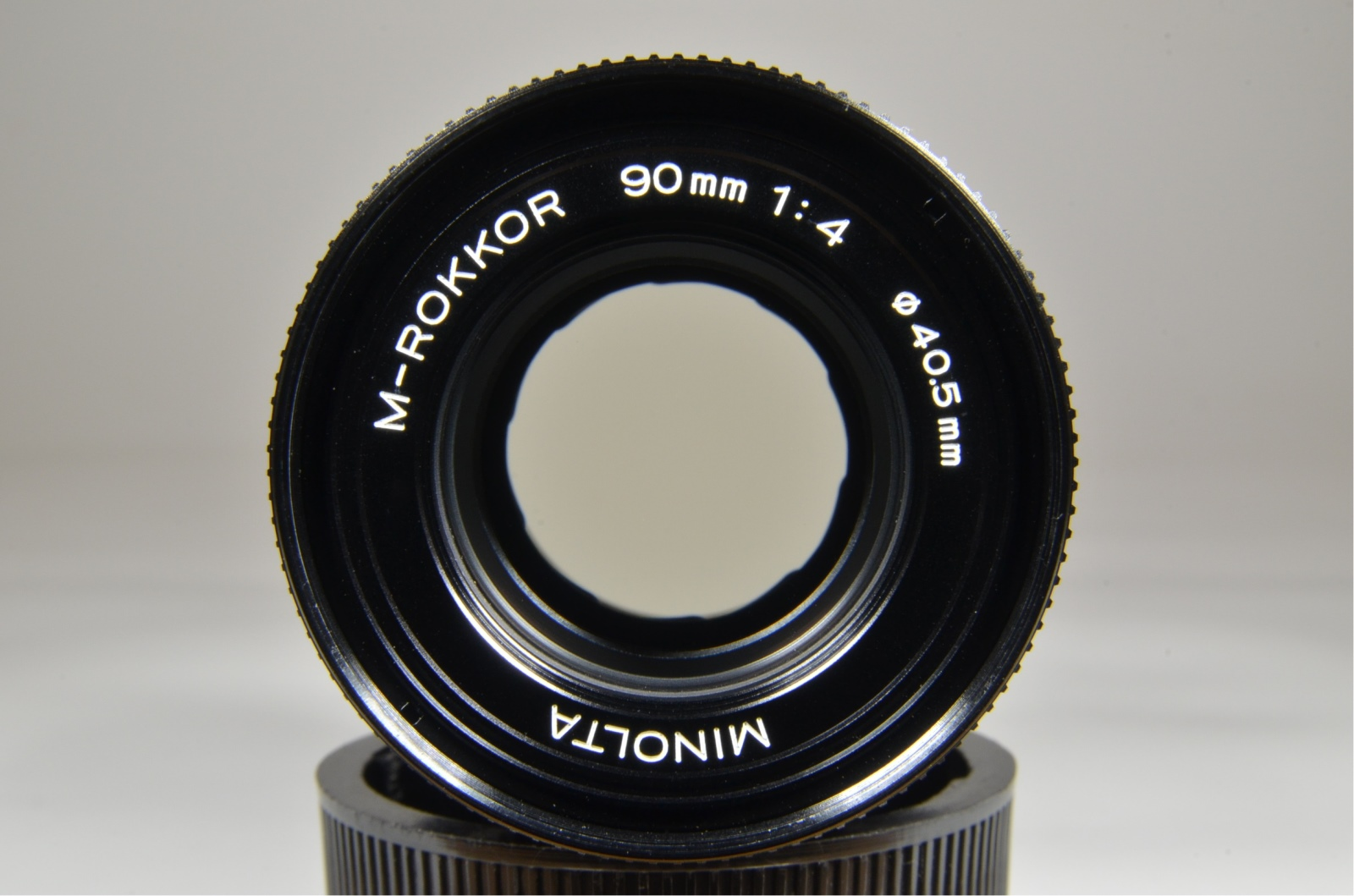 minolta cle film camera, m-rokkor 40mm, 28mm, 90mm, flash and grip