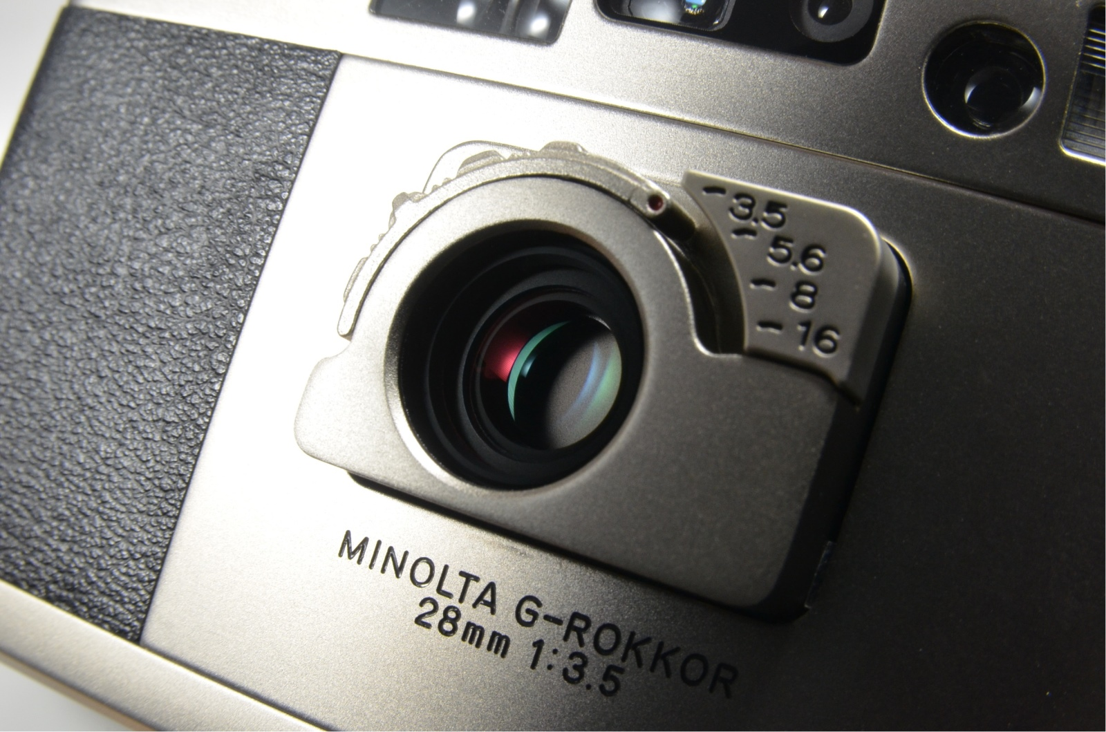minolta tc-1 point & shoot 35mm film camera 28mm f3.5