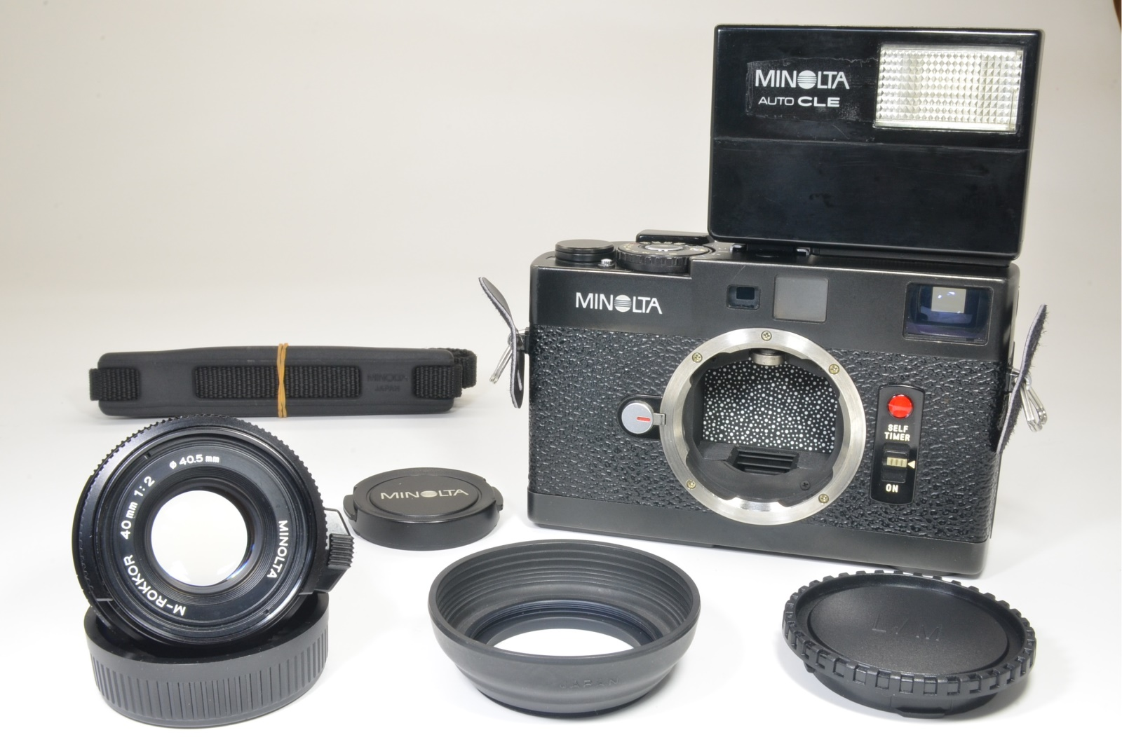 minolta cle film camera with m-rokkor 40mm f2 and flash shooting tested