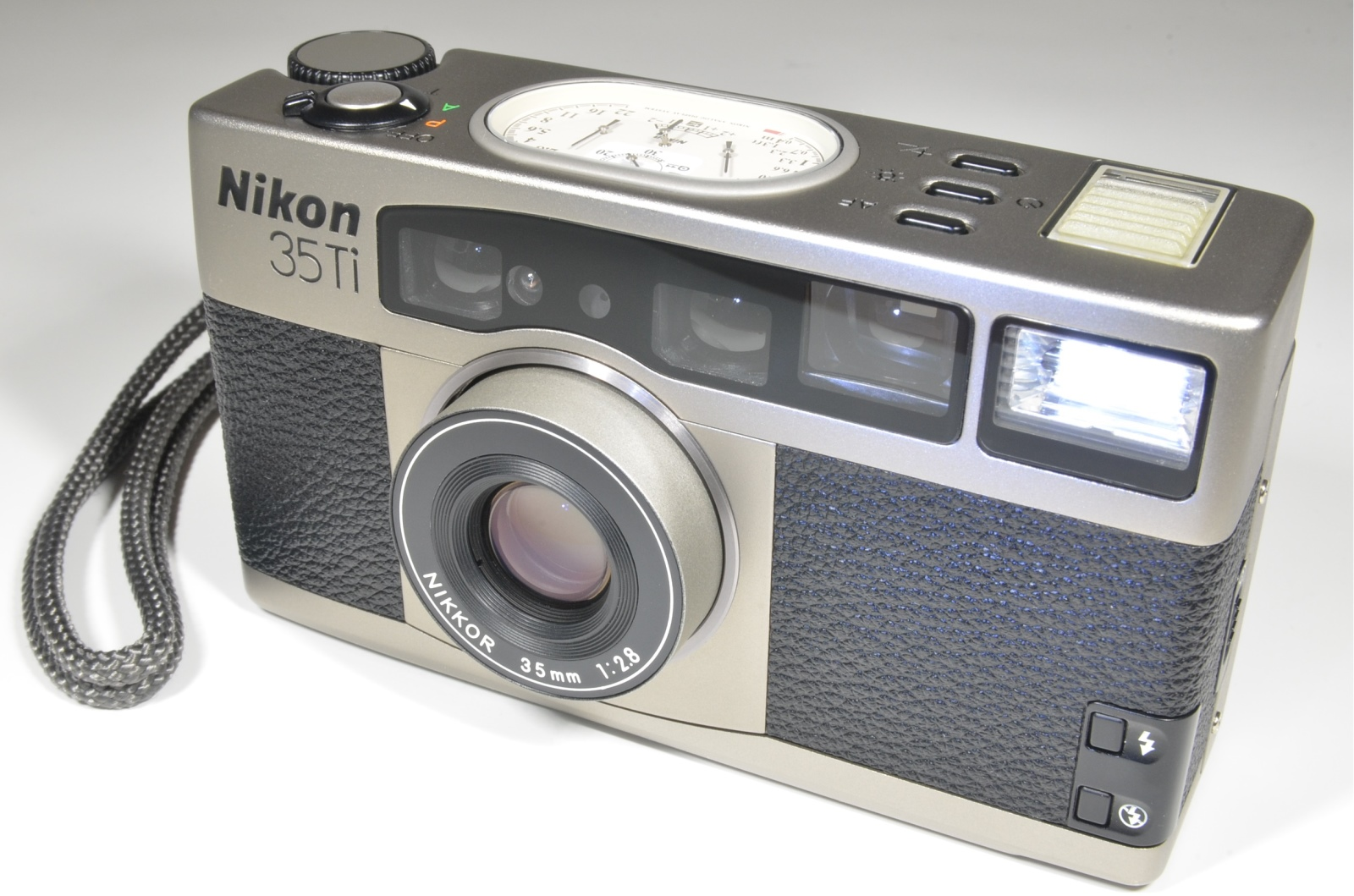 nikon 35ti 35mm point & shoot film camera
