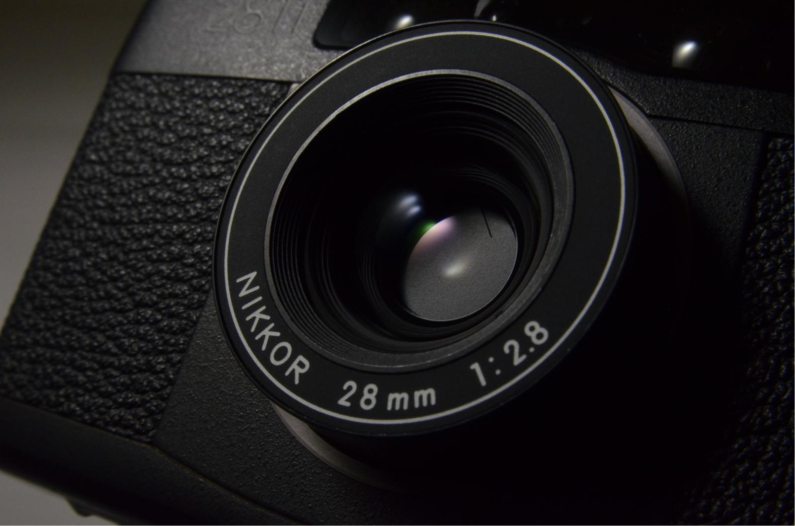 nikon 28ti 35mm point & shoot film camera