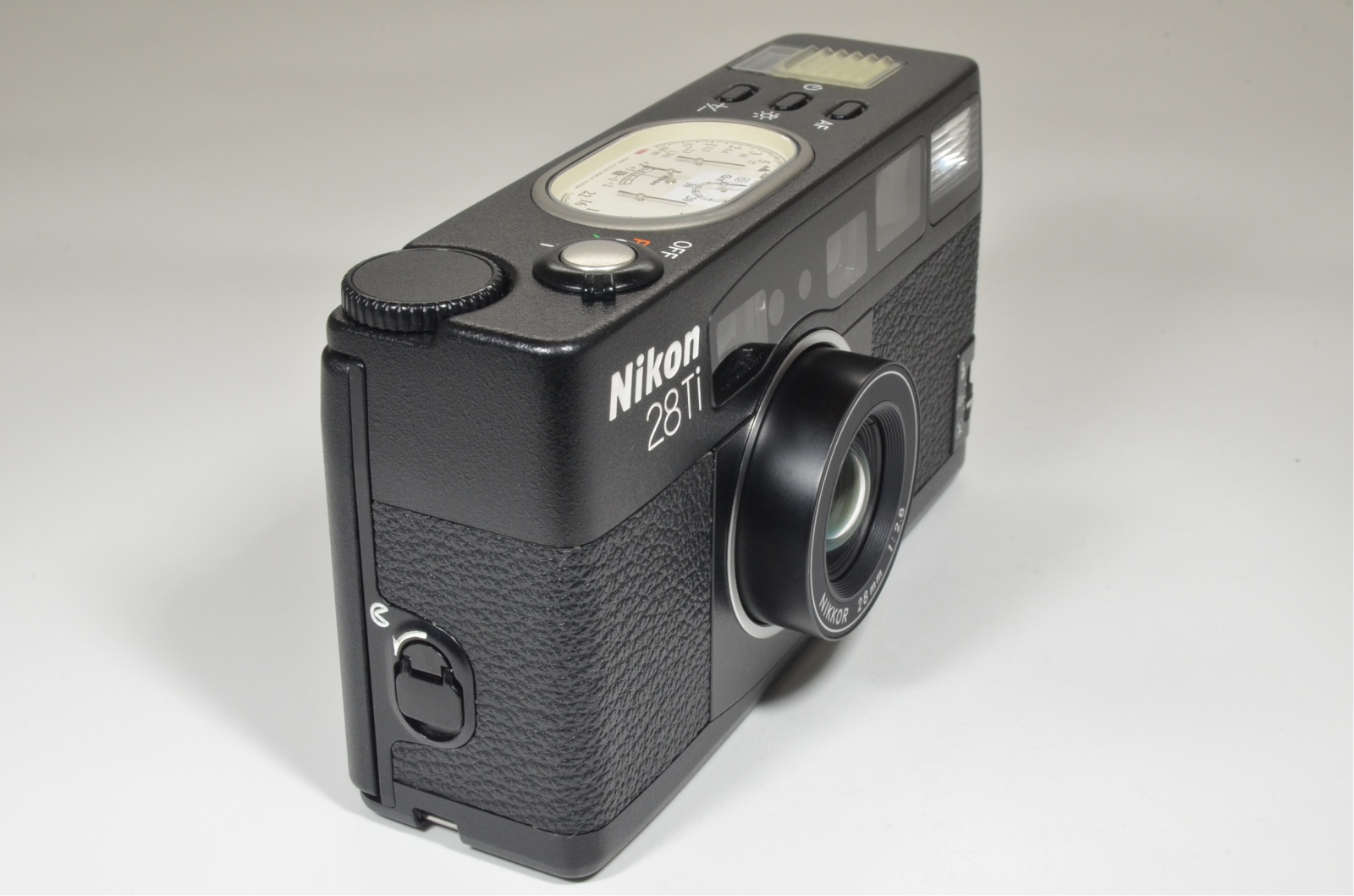 nikon 28ti point & shoot 35mm film camera lens 28mm f2.8