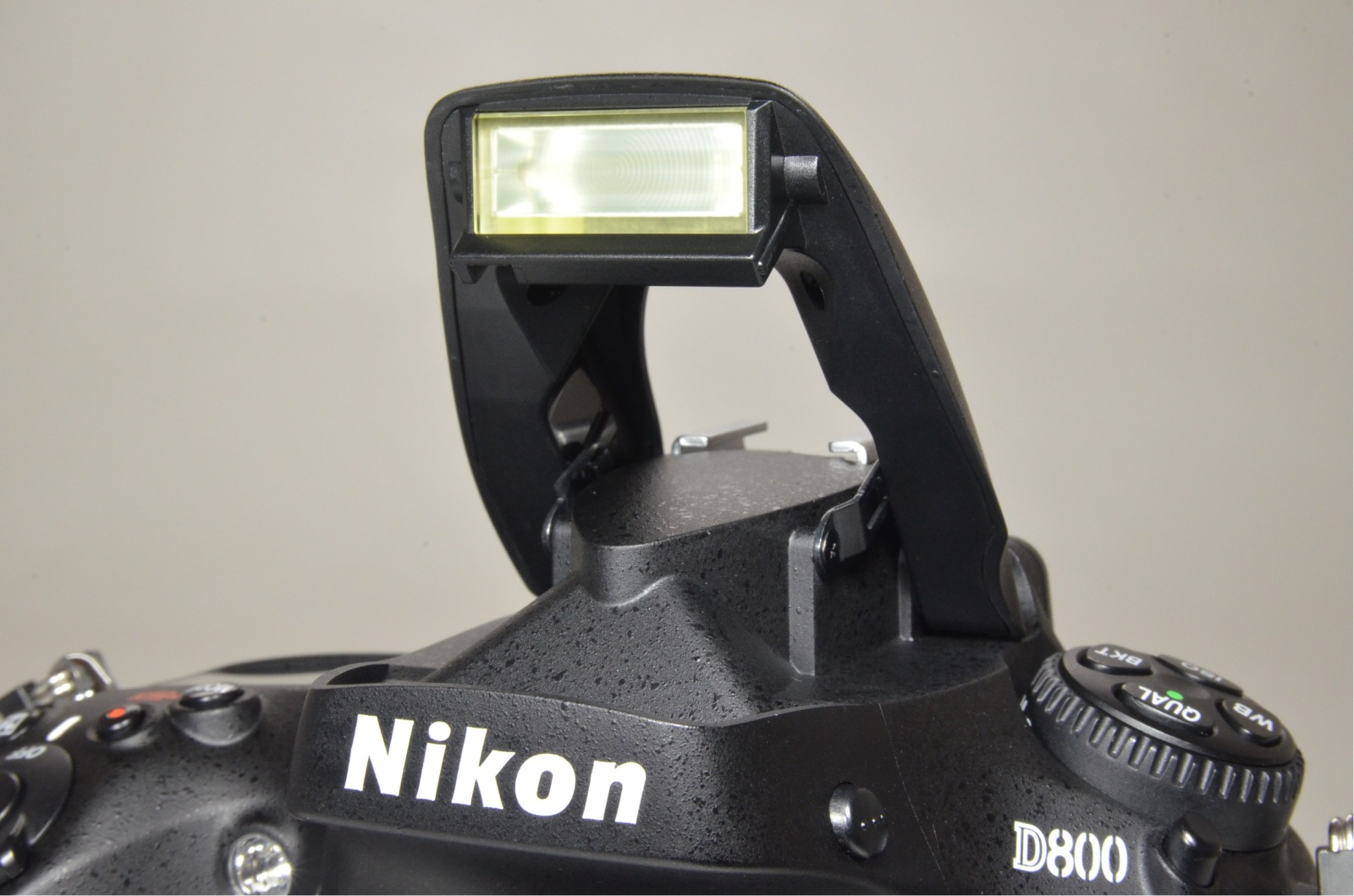 nikon d800 36.3mp digital slr camera body with english user's manual from japan