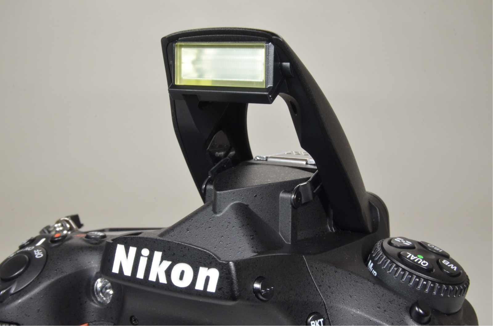 nikon d810 36.3mp digital slr camera body shutter count 8437 from japan