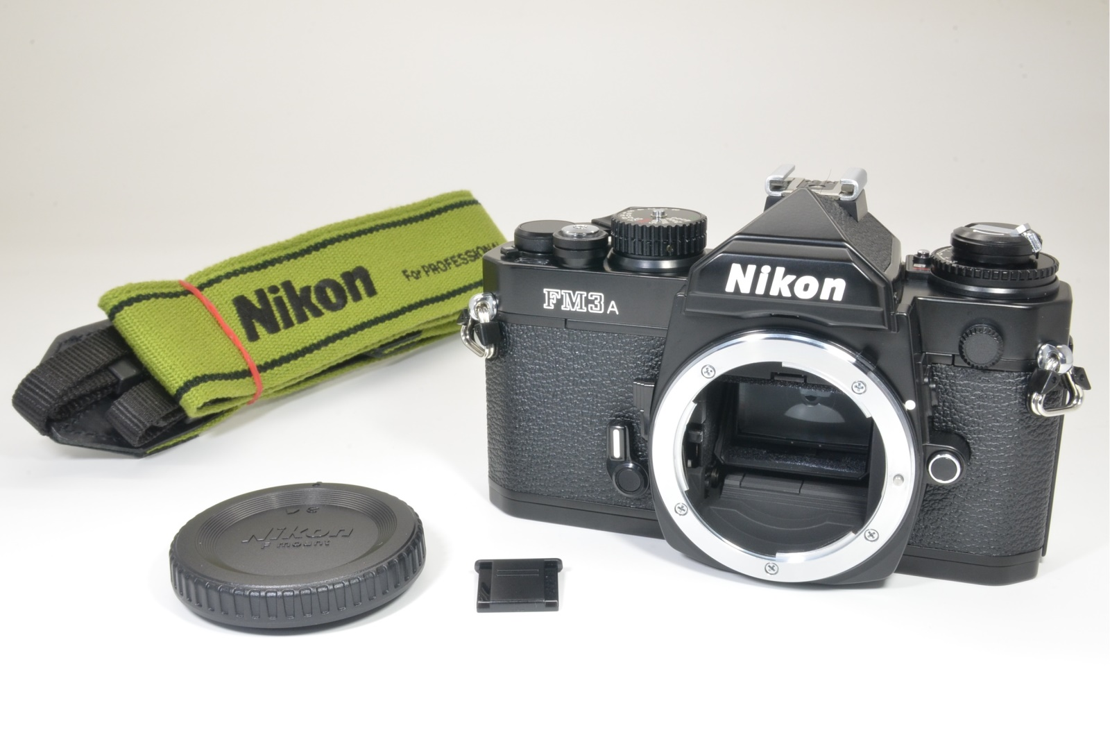 nikon fm3a 35mm film camera black near mint shooting tested