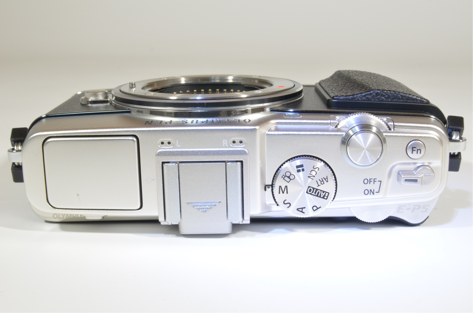 olympus pen e-p5 16mp mirrorless digital camera