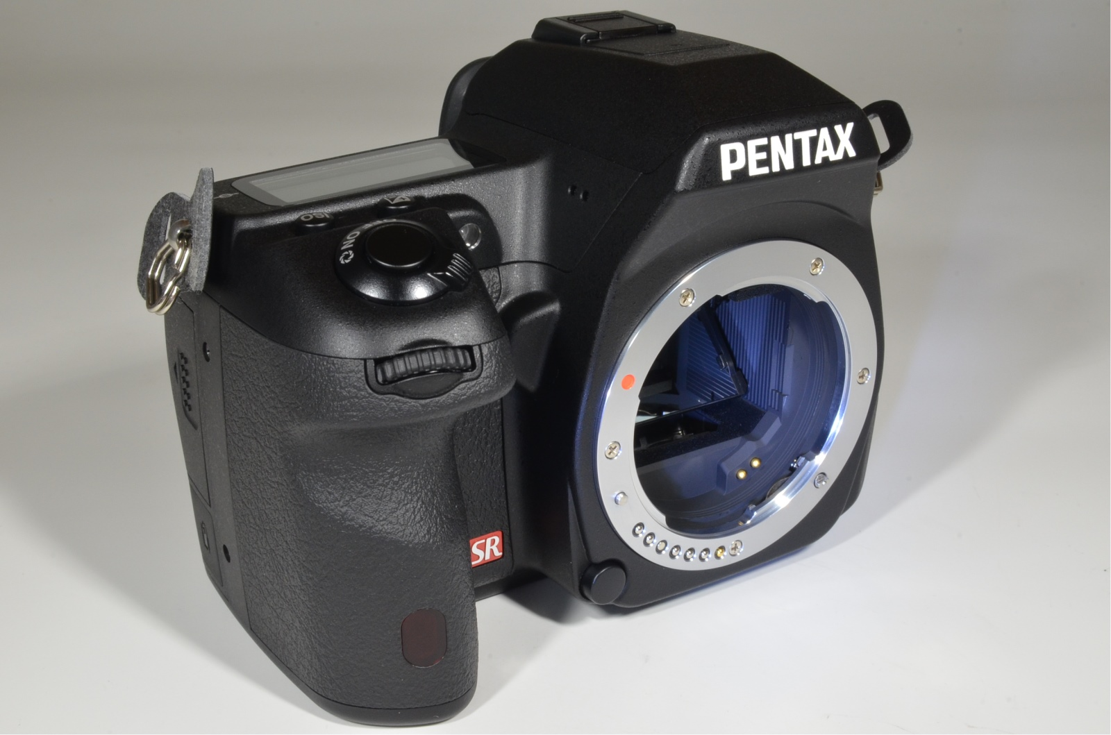 pentax k-5 ii with da 18-135mm f/3.5-5.6 ed al wr